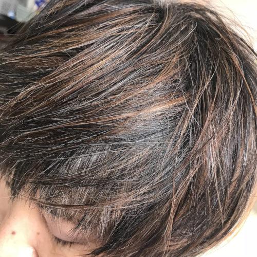 白髪を活かしたハイライトデザインカラー